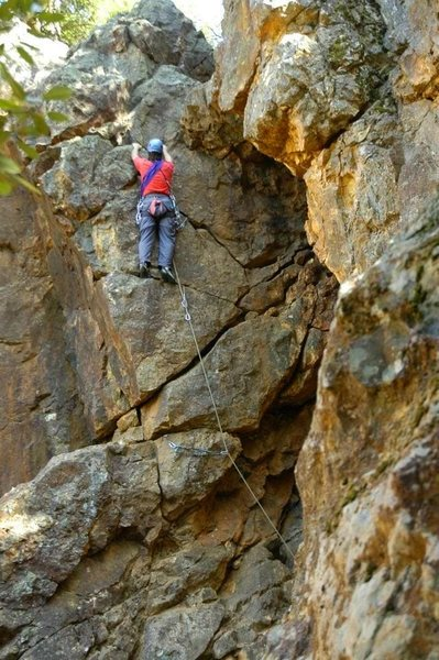 Floyd Hayes leading the upper section of Mine Shaft 5.6. Photo by Andrew Taylor.