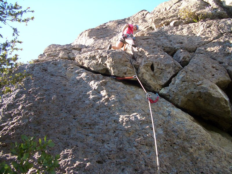 Floyd Hayes leading Old Tradition 5.7. Photo by Roy Benton.