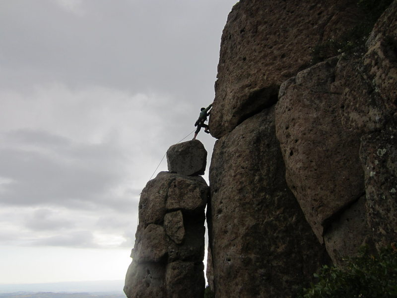 Rock Climbing Photo: Wesley Moore leading New Tradition 5.8. Photo by F...