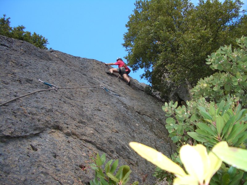 Rock Climbing Photo: Floyd Hayes leading Far 5.8 using cams in pockets ...