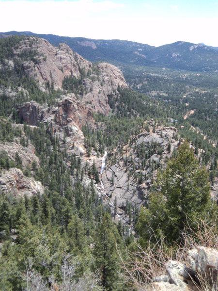 Rock Climbing Photo: Elk Creek Falls and surrounding rock.