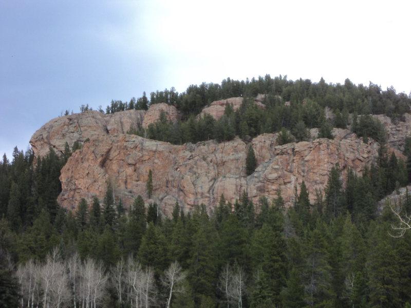 Rock Climbing Photo: Short rock near Elk Pond.
