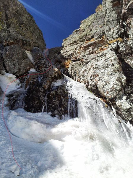 Rock Climbing Photo: The third pitch mixed start and ice runnels on Alp...