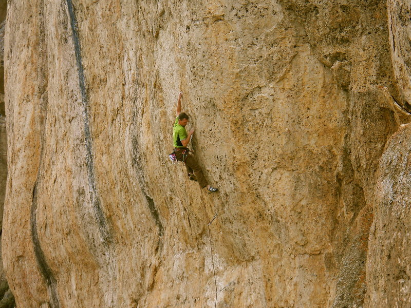 Rock Climbing Photo: Mike Snyder starting up Fortress of Solitude .13a ...
