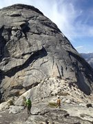 Rock Climbing Photo: Amy and Maria saunter up to the start of the South...