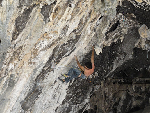 Rock Climbing Photo: Dani Andrada onsighting la violencia the 13b way