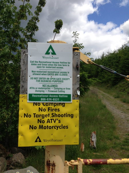 Rock Climbing Photo: Sign posted at the yellow gate that you pass, loca...