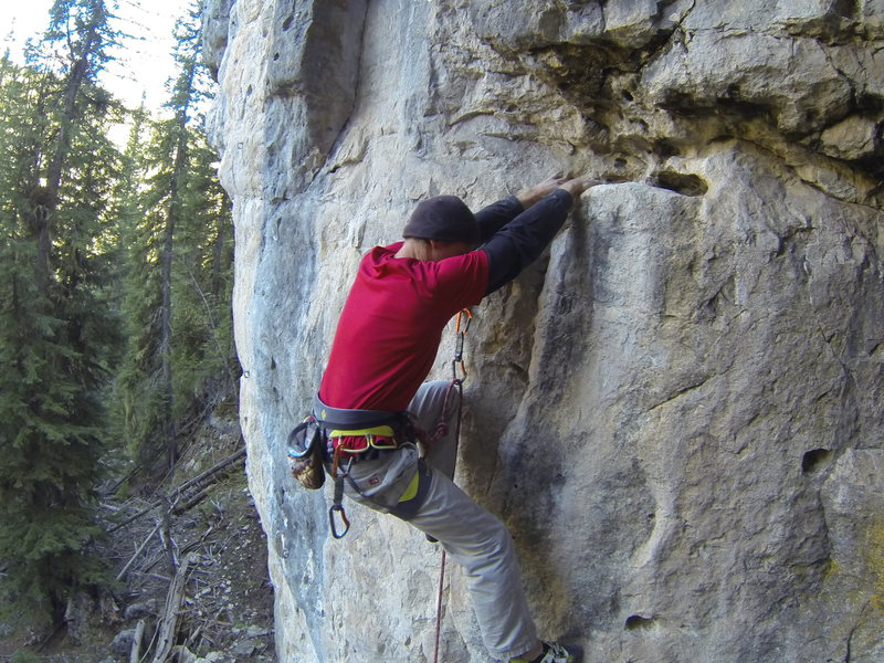 This route is good. This picture is terrible, but gives you an idea of what you are up against. Think layback!