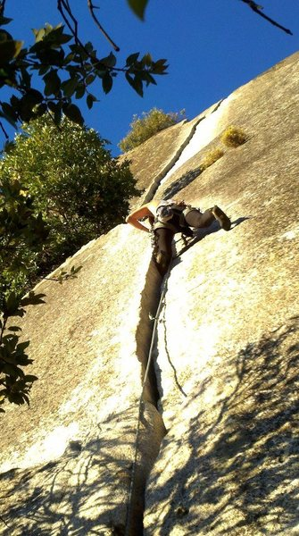 Rock Climbing Photo: 1st pitch of Reed's Direct; one of my favorite val...