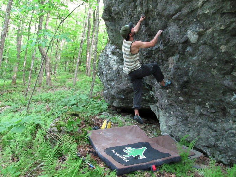 Rock Climbing Photo: Pigs Boulder