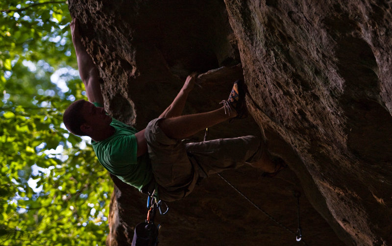 Rock Climbing Photo: Thomas Diehl on Snakes Roof.  Photo by Stephen Orr...