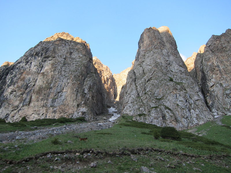 The Central Bastion is on the right of the main canyon.