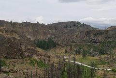Rock Climbing Photo: McLoughlin Canyon. View north from the Main Canyon...