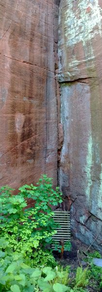 "Rock Climbing Photo: The bottom part of ""The Pit and the Pendulum&..."