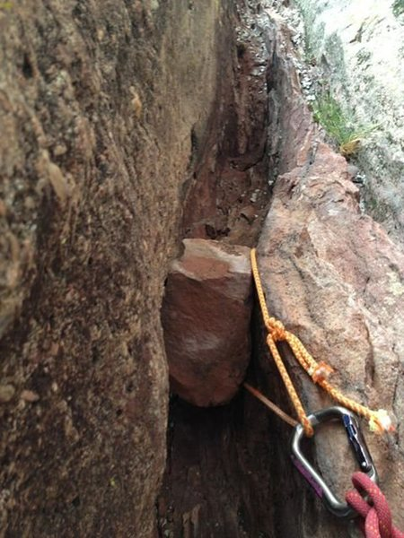 Chockstone that we used for the second belay ledge.