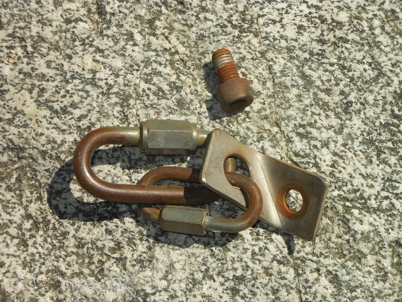 """Rock Climbing Photo: Sketchy hardware from the P1 anchor on """"Goldl..."""