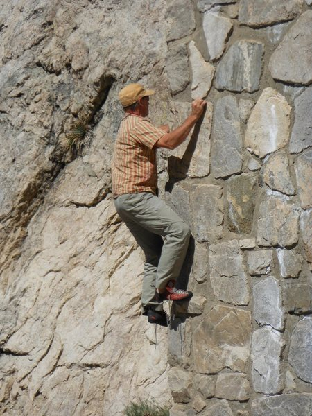Rock Climbing Photo: Bouldering on the 1st tunnel at Tunnel Crag.