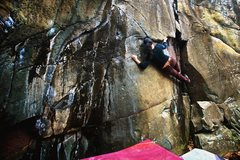 Rock Climbing Photo: Spider Tracks V3 at Taylors Falls, short people Be...