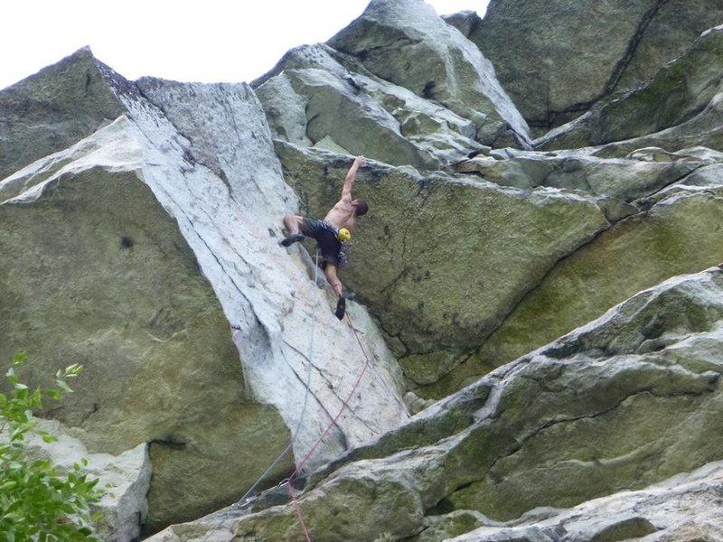 Rock Climbing Photo: Eric Januszkiewicz at the second crux (the spectac...