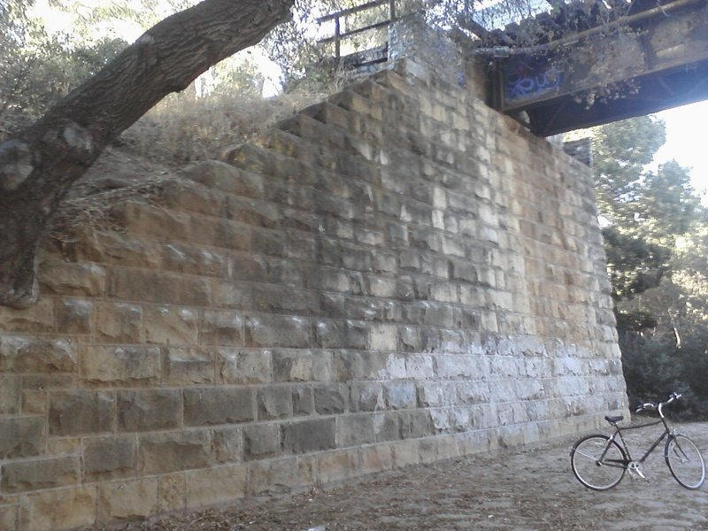 Bouldering Wall under the Tracks.
