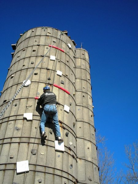 silo with foam holds
