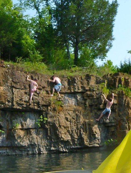Rock Climbing Photo: Good traversing @ The Offsets.