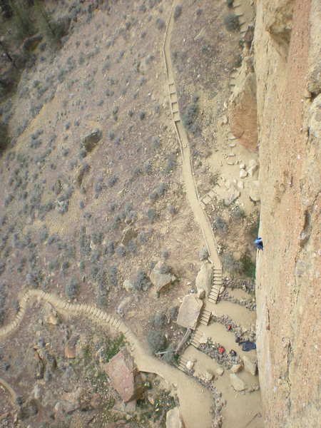 Rock Climbing Photo: View from Pitch 3, Zebra Zion, Smith Rock, OR.