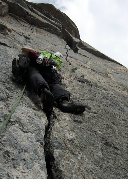 A good look at pitch two's splitter crack. The Trout topo indicates there is a section of 5.9+ at the top of the pitch, and I believe this to be true. Strenuous, fun, wide-hands crack climbing.