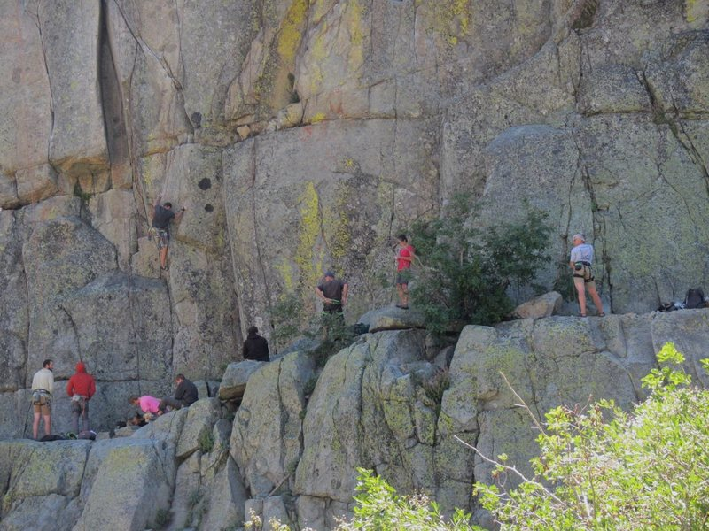 Rock Climbing Photo: Busy snowshed Wall on a stellar Sunday