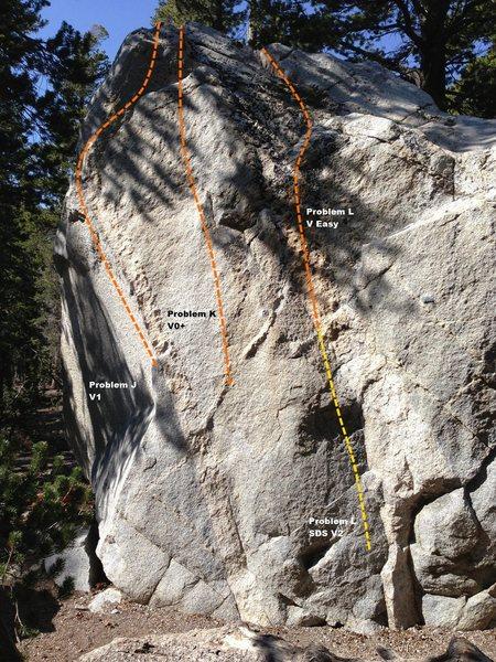 Rock Climbing Photo: Dog Boulder West Face Left Topo
