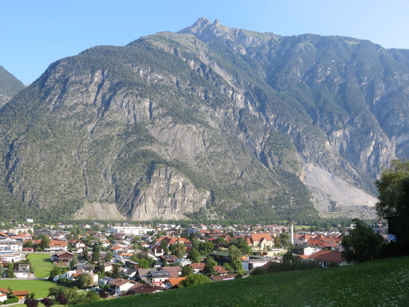 The town of Zams with the Burschlwand and Hasliwand right there above it.