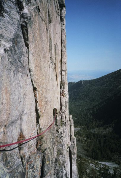 Looking back across the 5.6 pitch 5 traverse. My Mom's Muscle Shirt goes up the obvious left-facing dihedral