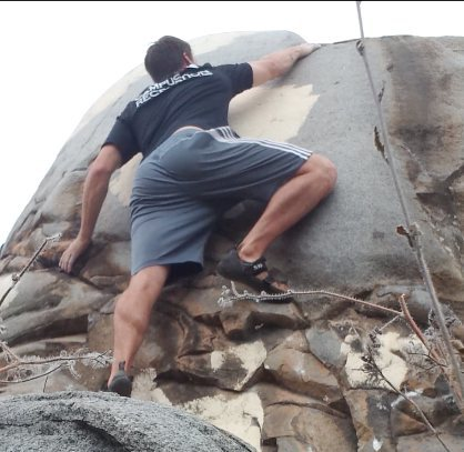 Rock Climbing Photo: Crux hold of Lake House.  Its about a 8 ft drop if...