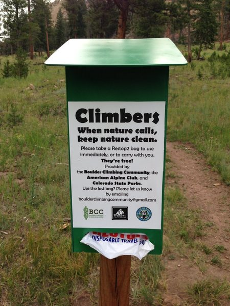 New Wag Bag Dispenser at Staunton Rocks. Courtesy of Boulder Climbing Community.