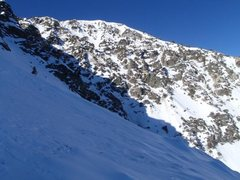 Rock Climbing Photo: Great view of Harwood's NE face from upper snowfie...
