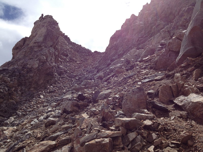 Rock Climbing Photo: The couloir. Photo taken from the NW ridge. Couloi...