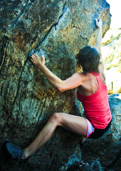 Rippin' my way up a fun little boulder at Berkeley Indian Rock Park