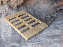 Rock Climbing Photo: What's the situation with the pallets that keep sh...
