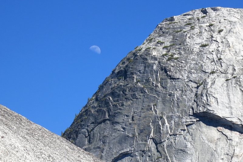Rock Climbing Photo: Moon over Fairview Dome