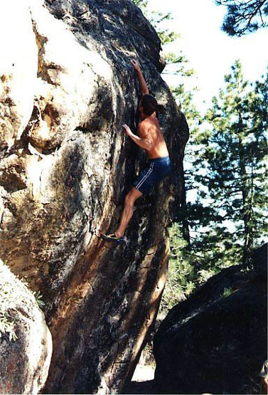 Rock Climbing Photo: Crappy old photo of the final hard pull on Dissing...