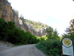 Rock Climbing Photo: Rifle entrance. Serious roadside craagging.