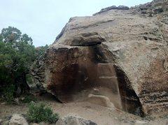 Rock Climbing Photo: Southeast face of Pole Block.