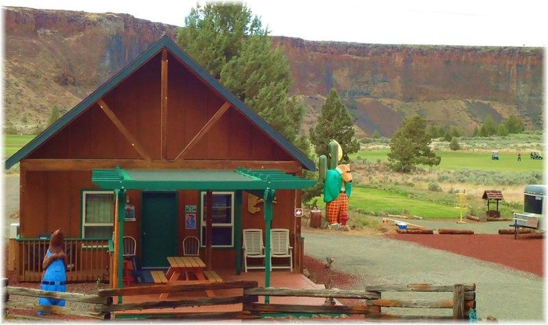 Rock Climbing Photo: Crooked River Ranch Cabins