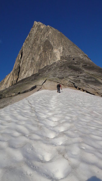 """NE Ridge of Bugaboo Spire, 7/24/13. In the middle of the 1000'+ """"scramble"""" to the rope-up ledge."""