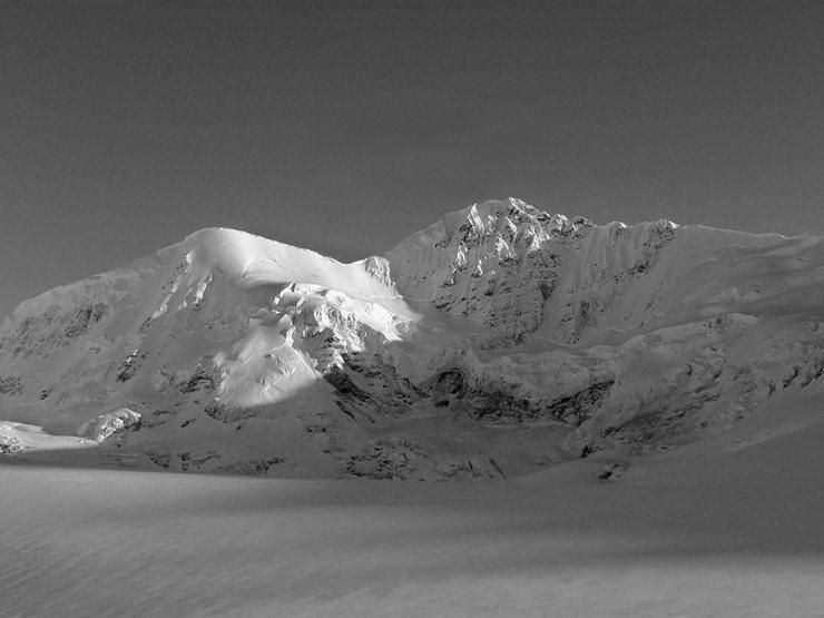M'Ladies Mountain 8,880ft
