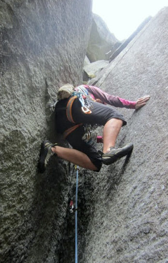 Rock Climbing Photo: Aires chimney.  Haven't figured out how to easily ...