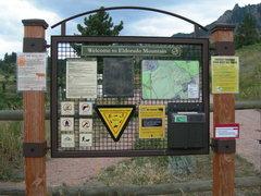 Rock Climbing Photo: Sign at the trailhead.