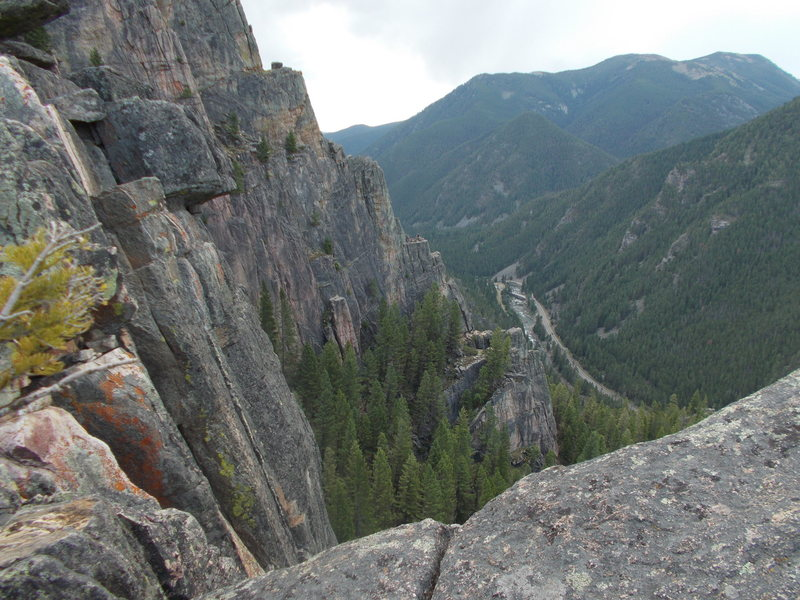 View of parking area from summit of Spare Rib. Zoom to see climbers on Skyline ledge.