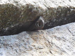 Rock Climbing Photo: The fixed pin in the 1st horizontal below the P1 c...
