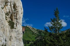 Rock Climbing Photo: Another shot of the upper portion of the lead on D...